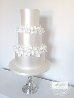 Based in Gateshead in the North East of England, The Designer Cake Company specialises in creating beautiful bespoke wedding cakes. White Cakes, White Wedding Cakes, Cool Wedding Cakes, Wedding Cake Designs, Wedding Cake Toppers, Pretty Cakes, Beautiful Cakes, Edible Flowers Cake, Wedding Cake Inspiration