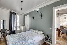 daphne decor & design-A Parisian apartment of fully renovated and optimized Source by darelmarie Small Apartments, Small Spaces, Cosy Bedroom, Shabby Home, Bedroom Wall Colors, Dream Decor, House Colors, New Homes, Interior Design