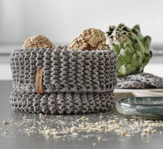 DIY Huete have a simple manual for a gestricktes Utensilo from Textilgarn for Euch. Easy Knitting, Knitting Stitches, Knitting Patterns, Crochet Patterns, Diy Kids Room, Room Decor For Teen Girls, Diy Crochet Basket, Crochet Diy, Diy Y Manualidades