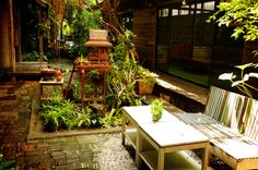 Bangkok Phranakorn Nornlen Hotel -so green!