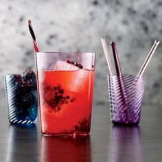 Many spirits and fruits and herbs can work in a Tom Collins riff. In place of blackberries and bourbon, try raspberries and vodka or cherries and rum.