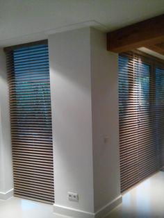DIB blinds Bamboe Rookgrijs Zebra Blinds, Blinds For Windows, Kitchen Interior, Shutters, Furniture Design, Sweet Home, Design Inspiration, Living Room, House