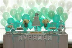 ombre balloon backdrop-cute idea for baby shower Party Kulissen, Party Time, Party Ideas, Teal Party, Casino Party, Shower Bebe, Baby Shower, Balloon Backdrop, Balloon Wall