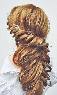 Wedding Hairstyles For Long Hair / http://www.himisspuff.com/wedding-hairstyles-for-long-hair/3/