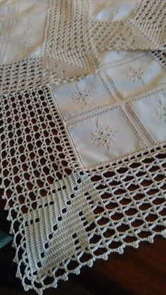Crochet Edging Patterns, Crochet Borders, Crochet Squares, Crochet Designs, Crochet Stitches, Crochet Fabric, Crochet Art, Crochet Home, Filet Crochet