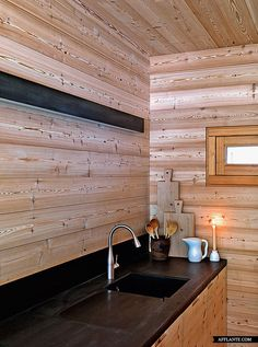 Cabin_in_Fanes-Sennes-Braies_Italy_EM2_afflante_com_2 Kitchen Interior, Room Interior, Kitchen Design, Houses In France, Chalet Style, Cabin Homes, Wooden Walls, Contemporary Interior, Dining Area
