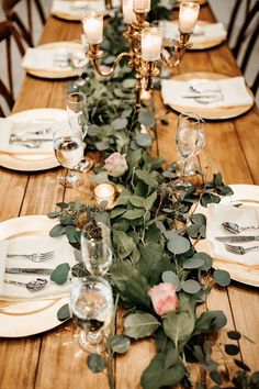 Winter wedding table - A Whimsical November Wedding in Florida with a Huge Bridal Party – Winter wedding table Bridal Party Tables, Wedding Table Centerpieces, Wedding Flower Arrangements, Table Arrangements, Reception Decorations, Centerpiece Ideas, Tent Decorations, Centerpiece Flowers, Table Decor Wedding