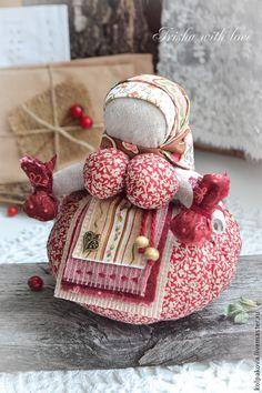 """кукла-оберег Кубышка-травница""""Спелая ягода"""". - бордовый,народная кукла"""