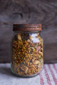 Delicious Homemade Turmeric Granola. Packed full of seeds and oats with a dose of Turmeric! A recipe from Natasha Corrett, Honestly Healthy.