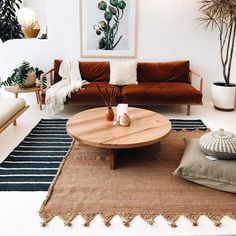Small Living Rooms, Rugs In Living Room, Living Room Designs, Living Room Decor, Layout, Black Mirror, Decorating Small Spaces, Style Vintage, Home Decor Bedroom
