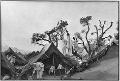 Henri Cartier-Bresson INDIA. Punjab. Kurukshetra. A refugee camp for 300.000 people. Autumn 1947.