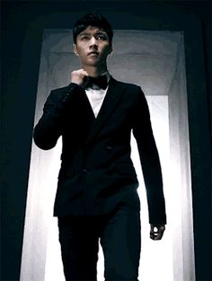 Lookin mighty fine in that suit Zhang Yixing (Lay)-EXO