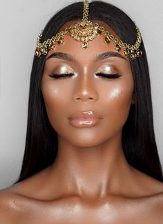 Hair Jewelry Acessories Glamorous Golden Head Piece Placed in desired area of hair with 3 golden hooks Select clear stone or gold stone - Glamorous Golden Head Piece Placed in desired area of hair with 3 golden hooks Select clear stone or gold stone Golden Makeup, Bobby Pin Hairstyles, Black Hairstyles, Headband Hairstyles, Head Scarf Styles, Head Jewelry, Hair Jewelry For Braids, Fine Jewelry, Goddess Hairstyles