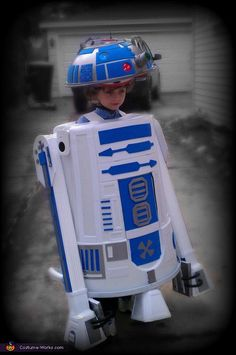 R2-D2 Costume - Halloween Costume Contest via @costume_works