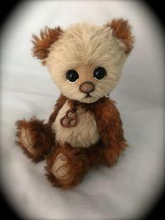 Home Sewing Crafts - Sewing Method My Teddy Bear, Cute Teddy Bears, Bear Toy, Felt Animals, Cute Animals, Bear Felt, Tiny Teddies, Teddy Bear Pictures, Teddy Toys