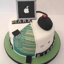 Computer theme cake, this is perfect for my dad! Latest Birthday Cake, Elegant Birthday Cakes, Adult Birthday Cakes, Teen Boy Birthday Cake, Computer Cake, Computer Theme, Engineering Cake, Retirement Party Cakes, Teen Cakes