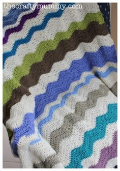 Finished Second Crochet Ripple - The Crafty Mummy Crochet Ripple Blanket, Afghan Blanket, Crochet Blankets, Free Crochet, Knit Crochet, Chevron Crochet, Blue Crafts, Crochet Projects, Crochet Tutorials