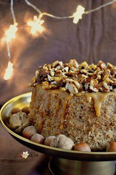 FLUFFOSA AI FRUTTI SECCHI CON CARAMELLO CROCCANTE #fluffosa #natale #christmas #chiffoncake Sweet Recipes, Cake Recipes, Dessert Recipes, Köstliche Desserts, Delicious Desserts, Cake Cookies, Cupcake Cakes, American Cake, Pastries