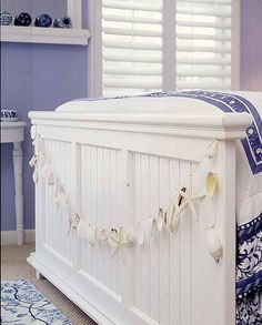Simple idea to add a seaside feel to the bedroom
