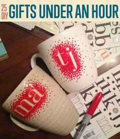 25 DIY Gifts You Can Make in Under an Hour | Homemade Christmas Gift Ideas  http://www.pinterest.com/wallartroad/christmas-3/