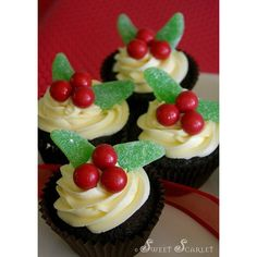Sweet Scarlet Easy Holiday Cupcakes ❤ liked on Polyvore