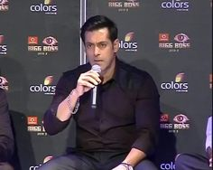 Salman on why he hugged Shah Rukh at Iftaar party http://ndtv.in/17rQtoJ