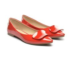 Colorful shoes for a joyful spring now available at dEpurtat. Buy them via CashOUT and you will get cashback. Colorful Shoes, Joyful, Salvatore Ferragamo, Women's Fashion, Flats, Spring, Stuff To Buy, Accessories