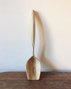 """Gefällt 258 Mal, 12 Kommentare - Reuben Goadby (@reubengoadby) auf Instagram: """"Just finished up this oak ladle. This is the fifth and probably last big ladle I'll carve this…"""""""