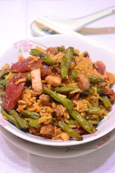 Through The Kitchen Door: Cooked Long Beans With Rice ( 豆角饭 ) Long Bean, One Pot Dishes, Japanese Dishes, Kitchen Doors, Kung Pao Chicken, Green Beans, Rice, Vegetables, Cooking