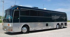 This is my Dads Silver Eagle I'm helpin him totally remodel it. One day it will be my party adventure bus Prevost Bus, Cool Rvs, Buses For Sale, Luxury Bus, Bus Life, New Bus, Travel Nursing, Bus Conversion, Silver Eagles
