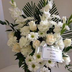 #allwhite #roses #gladioli #carnations #daisies