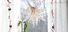 Hvězda je symbol, který neodmyslitelně patří k Vánocům. Jestli si tak chcete letošní svátky pořádně užít, rozsviťte jednu z hvězd Best Season, udělejte si svařák a zapalte krb. Už jen to cukroví a je to, jako by Vánoc byly už tady!
