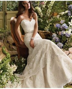 Fit-And-Flared Sweetheart Court Train Tulle Wedding Dress With Appliques