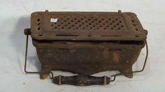 Brasero portátil de hierro antiguo, usado para calefacción, hervir líquidos y para cocción