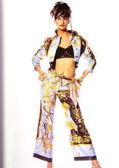 Linda Evangelista in Versace - 90'S FASHION ADS by Irving Penn #vintage #versace