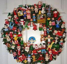 ~Handmade Vintage Christmas Ornament Wreath~