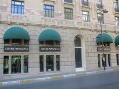 En lüks Dünya markalarından biri olan Armani, alışverişinize renk katmak için sizlerle.