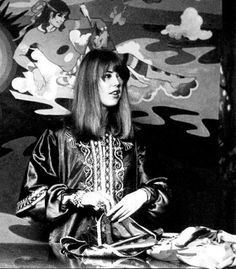 Jenny Boyd working behind the sales counter at the Beatles' Apple Boutique where she worked as a sales girl for a few months. Mural in background by the Fool. Fashion History, Fashion Art, Vintage Fashion, Fashion Shoot, Fashion Ideas, Fashion Design, Mick Fleetwood, Sales Girl, Festival Girls