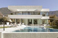 Casa toda branca com planta - arquitetura e decoração minimalista maravilhosas!