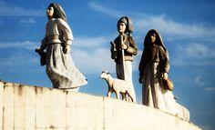 estatua de pastorcitos de fatima fondo Akita, Papa Juan Pablo Ii, Daenerys Targaryen, Game Of Thrones Characters, Fictional Characters, Mexico, World, Priest, Statues
