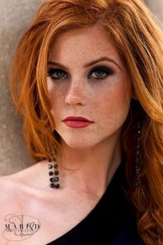 Her hair and freckles! Red Freckles, Redheads Freckles, Stunning Redhead, Beautiful Red Hair, I Love Redheads, Hottest Redheads, Ginger Girls, Natural Redhead, Redhead Girl