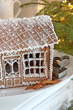 VIBEKE DESIGN Gingerbread house for Christmas.