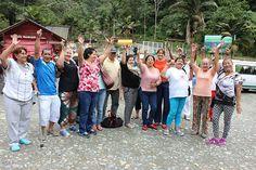 Adultos mayores disfrutan de los Termales y el Bioparque Ukumarí gracias a la Gobernación