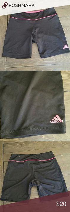 Adidas compression shorts Adidas compression shorts. Waist band can be folded to show more pink accent. Only used once. Adidas Shorts