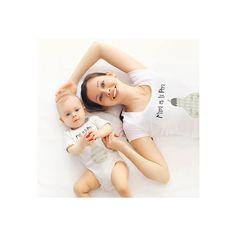 Camiseta Personalizada Mamá e Hija Pera.  Para regalar el Día de la Madre, Cumpleaños, Aniversario etc.. Visita nuestra tienda que hemos creado una línea de regalos para Mamá. Camisetas iguales, Tazas, Toallas y Cojines Personalizados. ¡VISÍTANOS!