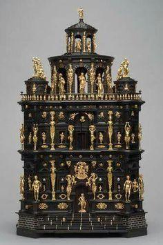 - Cabinet of Ferdinands ll von Tirol