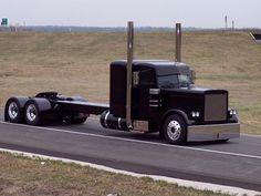 Caminhões e Utilitários by Daniel Alho / project 350 peterbilt Maserati, Bugatti, Ferrari, Big Rig Trucks, Show Trucks, Old Trucks, Vintage Trucks, Rv Truck, Truck Art