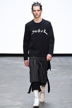http://www.style.com/slideshows/fashion-shows/fall-2015-menswear/man/collection/41