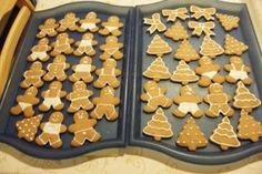 Almás-diós táska recept   APRÓSÉF.HU - receptek képekkel Christmas Sweets, Christmas Goodies, Tupperware, Candy Cane, Cookie Decorating, Gingerbread Cookies, Cookie Recipes, Food To Make, Cocoa