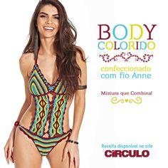 Encante-se pelas cores do Body Colorido, confeccionado com o fio Anne. Confira a receita clicando na imagem.